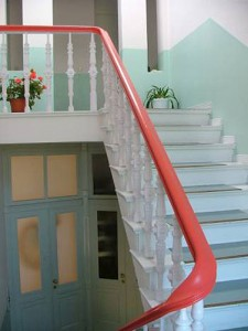Treppengeländer aus Holz, farbig - Gründerzeit