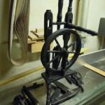 Reparatur altes Spinnrad