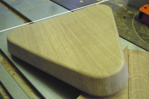 Hocker Sitzfläche aus Holz