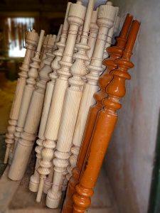 Handgefertigte Treppenstäbe 2