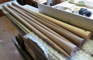 Säule für Stehlampen aus amerikanischem Nussbaum